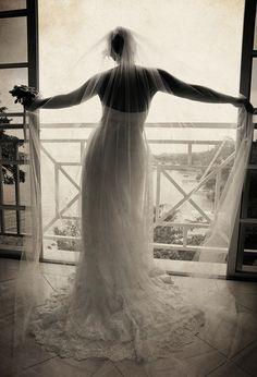 Beach weddings location weddings bridal portraits Elena Cone photography.jpg