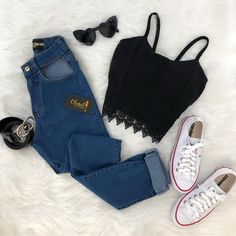 I love any jean outfits! Shopping link in bio or go to www.splendora… I love any jean outfits! Shopping link in bio or go to www. ❤️More makeup posts Ella Gustafsson. Teen Fashion Outfits, Look Fashion, Outfits For Teens, Trendy Fashion, Fall Outfits, Womens Fashion, Latest Fashion, Fashion Trends, Neue Outfits