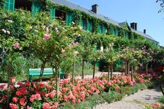 Your venue? A garden in france, similar to the monet's private garden in Giverny, France which inspired his famous waterlilly paintings.