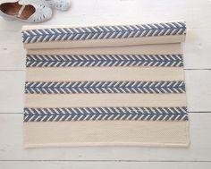 Ivory, blue, beige cotton carpet, off white carpet, Scandinavian design … – Carpet 2020 White Carpet, White Rug, Blue Carpet, Danish Modern, Wool Mats, Hallway Carpet, Rug Yarn, Types Of Rugs, Handmade Rugs