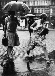 Leaping the puddle by  Friedrich Seidenstücker - 1930s