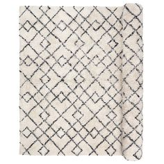 More trendy than ever, Broste Copenhagen's Janson white and black Berber carpet is in every interior. Berber Carpet, Berber Rug, Broste Copenhagen, Tapis Design, Contemporary Style, Pure Products, Quilts, Black And White, Rugs