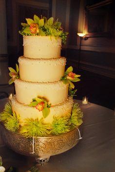 [Amanda MacLean Photography]: Winter Wedding Cake - Austin Texas Wedding