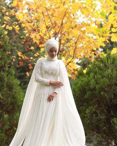 Dilamedkonya 🍂turban design makeKuafor make up. Wedding Abaya, Muslim Wedding Gown, Muslim Wedding Dresses, Muslim Brides, Dream Wedding Dresses, Hijab Dress Party, Hijab Style Dress, Bridal Hijab, Hijab Bride