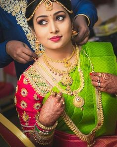 South indian bridal jewelry - The Handmade Crafts South Indian Bridal Jewellery, Indian Wedding Jewelry, Bridal Jewelry, Gold Jewelry, Wedding Saree Blouse Designs, Blouse Designs Silk, Bridal Silk Saree, Saree Wedding, Tamil Wedding