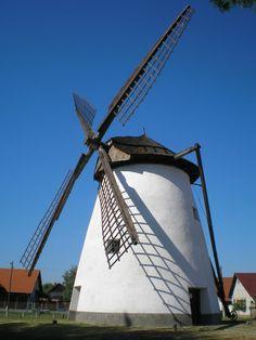 Malm, Le Moulin, Hungary, Architecture Art, Utility Pole, Holland, Sailing, Windmills, Fair Grounds