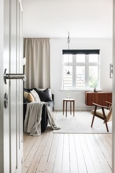 Inside Scoop: A Monochrome Hillside Abode in Norway - Avenue Lifestyle Avenue Lifestyle