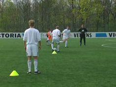 Fussball Training: U19 Schalke 04 Angriffsfussball - Wandspiel (Doppelpass) in der Raute - YouTube