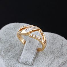 18K Gold Plated Simple Design Inlay Zircon Copper Finger Ring Full Sizes
