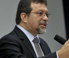 # Noticiário de Hoje #: 'Acusações são mentirosas e eleitoreiras', dispara...