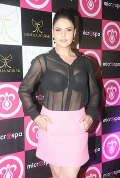 High Quality Bollywood Celebrity Pictures: Zarine Khan Flashes Her Black Bra and Sexy Curves From a See-through Top At The Launch of 'MicroSpa' in Bandra, Mumbai Indian Actress Hot Pics, Indian Bollywood Actress, Bollywood Girls, Beautiful Bollywood Actress, Indian Actresses, Bollywood Bikini, Bollywood Heroine, Bollywood Fashion, Actress Photos