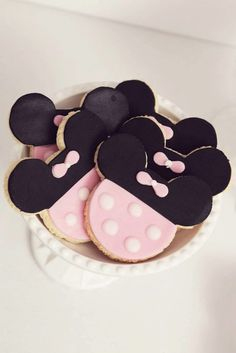 Pink Minnie Mouse Birthday Party cookies