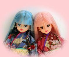 2 Jenny dolls.