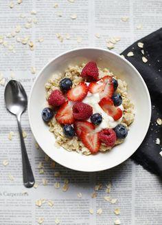 Berries, Yogurt & Honey Oatmeal