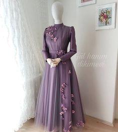 ✔ Fashion Dresses Night Parties Source by vorleaktep dresses hijab Hijab Prom Dress, Muslimah Wedding Dress, Hijab Evening Dress, Hijab Wedding Dresses, Evening Dresses, Hijab Wear, Most Beautiful Dresses, Elegant Dresses, Abaya Style