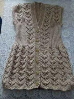 crochet dress outfits Sprge rg Yelek rnekleri iin Sevgi hanm bize Trke Videolu aklamal Fstkl Sprge rg Modeli ile i ii Yelek Modeli olarak yakr bir rnek gstermi. Knitting Blogs, Baby Knitting Patterns, Lace Knitting, Knitting Designs, Crochet Patterns, Gilet Crochet, Crochet Baby, Knit Crochet, Crochet Dress Outfits