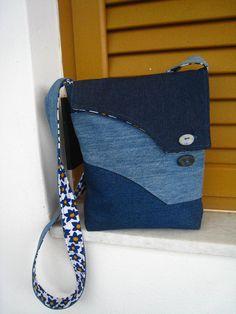 Blue jean messenger bag, crossbody, front pocket, handmade beach stones buttons…