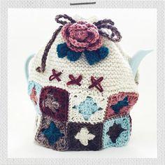 Granny Hannah's Cozy Kit Crochet Gifts, Knit Crochet, Red Face, Tea Cozy, Crochet Basics, Dear Friend, Color Combinations, Gifts For Kids, Bucket Bag