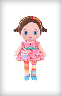 Zana™ loves ladybugs and making a wish whenever she sees one. Katia™ is her sister. Each Mooshka™ includes: Finger puppet dollPaper doll chainGiftable boxMachine Washable.