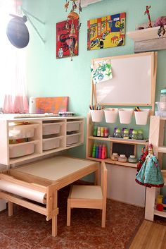 Love this craft station. How can I recreate this in our small space? The paper roll with kraft paper is a must! Montessori Toddler Rooms, Toddler Playroom, Montessori Bedroom, Ikea Montessori, Small Kids Playrooms, Ikea Kids Playroom, Montessori Materials, Trofast Ikea, Playroom Design