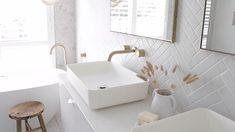 Modern Farmhouse Bathroom, Modern Bathroom Decor, Simple Bathroom, Modern Bathroom Design, Bathroom Interior Design, Interior Design Living Room, Bathroom Ideas, Bathroom Organization, Master Bathroom