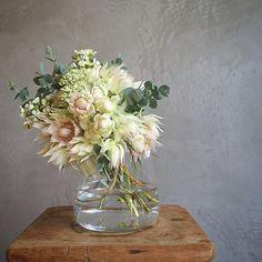 もう1つ作ったブーケは、お花好きのツバたんへプレゼント✨ #セルリア #セダム #ワックスフラワー #ユーカリ #ブーケ #bouquet #flower #flowerstagram #花のある暮らし