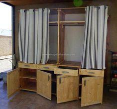 pallets-dressing-room