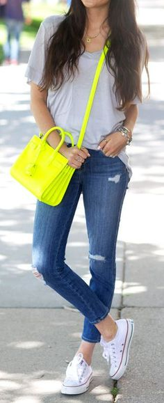 Street Style I Ripped Jeans, Comfy Tee, Neon Bag & Converse