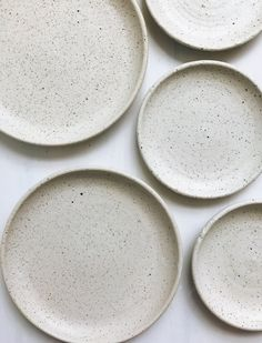 Dot and Co Dinner Plate - Ash – KoskelaYou can find Dinner plates and more on our website.Dot and Co Dinner Plate - Ash – Koskela Ceramic Tableware, Kitchenware, Stoneware Dinnerware, Dinnerware Sets, Pottery Plates, Ceramic Pottery, Ceramic Shop, Deco Zen, Cerámica Ideas