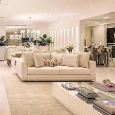 Ambiente lindo, clean e sofisticado! Love It ❤️@_decor4home 📐Projeto Monise Rosa Arquiteta 📸Foto Julia Ribeiro #inspiration #olioli #olioliteam #homeluxo #decor4home @homeluxoimoveis