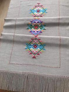 Bohemian Rug, Cross Stitch, Bargello, Embroidery, Herbs, Punto De Cruz, Dots, Needlepoint, Seed Stitch