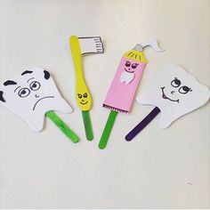 This page has a lot of free Dental health craft idea for kids,parents and preschool teachers. Toddler Crafts, Toddler Activities, Crafts For Kids, Puppet Crafts, Health Activities, Teaching Aids, Dental Health, Kids Education, Science Education