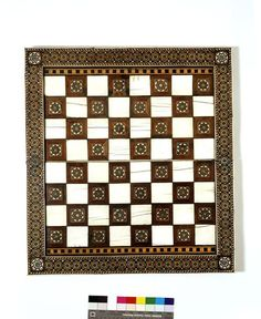 Game board of chess and backgammon. 16th century. Spanish. Woods, including chestnut, with ivory inlay. Width: 53 cm