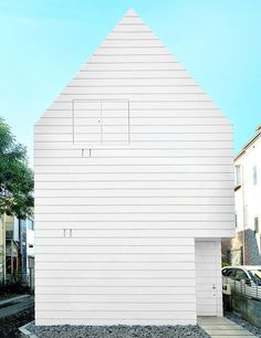 niji architects defies small spaces with townhouse in tokyo