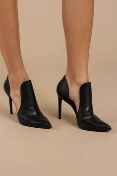 Steve Madden's Dolly Pointed Toe Black Heels are calling your name. These cut out stiletto heels feature a pointed toe silhouette, a leat Black Pointed Toe Heels, Black Stiletto Heels, Ankle Strap High Heels, Black High Heels, High Heels Stilettos, Pumps, Unique Shoes, Cute Shoes, Me Too Shoes