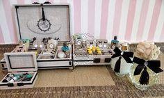 Caixas Casamento - Kits Toaletes(0028CAS/0129CAS), Kit Costurinha (0003CO), Saboneteira e Difusor Ambientes com Buquet de Flores Linha Luxury - Michella & Anderson - Tudo em Caixas