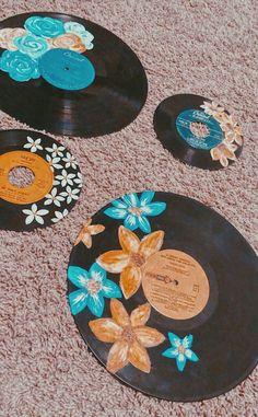 Music diy crafts wall art fun Ideas for 2019 Vinyl Record Art, Vinyl Art, Vinyl Records Decor, Old Records, Kunst Inspo, Art Inspo, Cd Art, Deco Originale, Ideias Diy