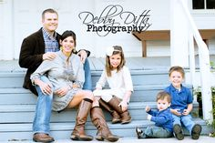 Family, child, and baby photographer Debby Ditta Photography: The T Family Urban Tomball Christmas Session