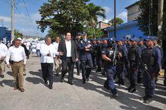 El gobernador del estado de Veracruz, Javier Duarte de Ochoa inauguró el Cuartel Regional Aurelio Monfort ubicado en esta ciudad y acompañado del secretario de Seguridad Pública, Arturo Bermúdez Zurita.