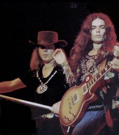 Gary Rossington and Ronnie Van Zant Rock And Roll Bands, Rock N Roll, Great Bands, Cool Bands, Rock Music, My Music, Music Stuff, Gary Rossington, Lynard Skynard