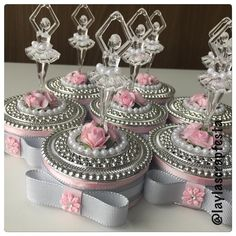 Lindos porta jóias com bailarinas em acrílico em sintonia! #festabailarina #geobailarina #geov - laylascrapfesta Wedding Cups, Baby Wedding, Wedding Favors, Party Favors, Wedding Gifts, Wedding Decorations, Ballerina Birthday, Princess Birthday, Girl Birthday