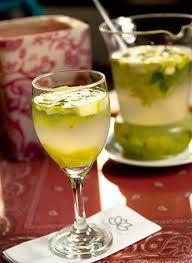 Suco DetoxLichia: Hortelã, chá verde, Lichia, Gengibre e maçã verde. Muuuito bom !
