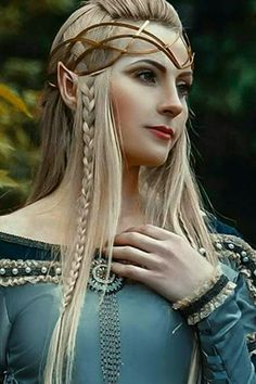 f High Elf Robes portrait cosplay lg Cosplay Elf, Zelda Cosplay, Elven Cosplay, Elven Costume, Foto Fantasy, Fantasy Art, Elves Fantasy, Fantasy Creatures, Mythical Creatures