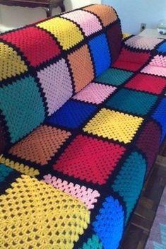 New knitting blanket colors granny squares 17 Ideas Crochet Bedspread, Crochet Quilt, Crochet Blocks, Crochet Squares, Crochet Granny, Free Crochet, Crochet Square Patterns, Crochet Motifs, Crochet Blanket Patterns