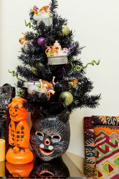 Halloween tree with