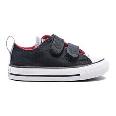Converse Toddlers' Chuck Taylor All Star 2V Ox Trainers (105 BRL) ❤ liked on Polyvore featuring black