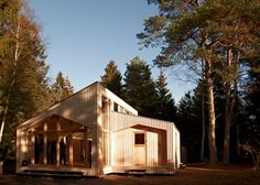 Amazingly innovative House Design -a computer, a printer and 820 sheets of plywood to build a 125 square meter (1,345 square foot) home in four weeks.