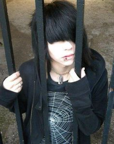 emo guy c: Cute Scene Boys, Cute Emo Guys, Hot Emo Boys, Scene Guys, Emo Girls, Cute Boys, Piercing Tattoo, Piercings, Emo Scene Hair