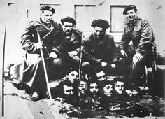 Anti-communist militamen display their victims in the Greek Civil War. Greek History, World History, Hellenic Army, Semitic Languages, Blue Green Eyes, Ugly Faces, Important Facts, Yesterday And Today, Culture