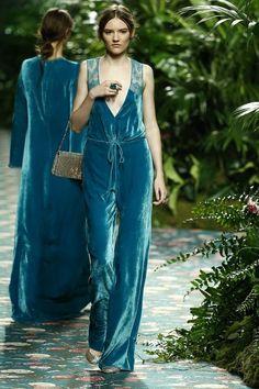 Home-Styling | Ana Antunes: She wore blueeee Veeeelveeeet...